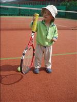...že z nás nemůžou být skvělí tenisti;-) (22 měs. korig.)