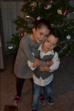 Vojta 3 roky (26+3 990g, 35cm) se sestřičkou Nikolkou 5,5