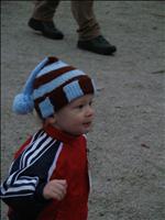 Tady běžím v závodě Mikulášského běhu na Bradech 6.12.2006
