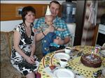 s mámou a tátou u dortíku